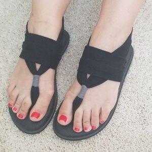 Sanuk women's sandals size 8
